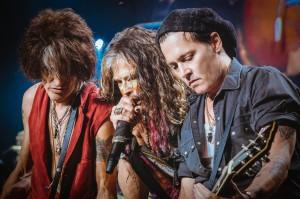 Aerosmith and Johnny Depp (© Zack Whitford)