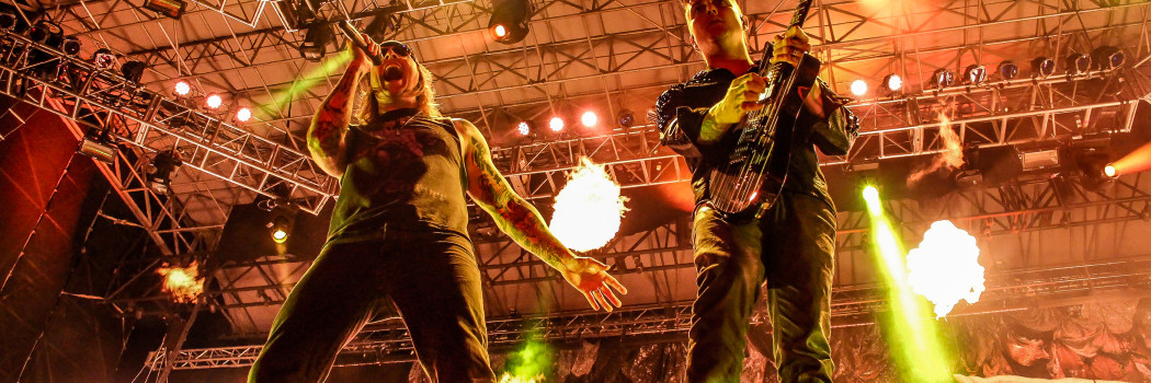 """AVENGED SEVENFOLD PREMIERE NEW SINGLE """"THE STAGE"""""""